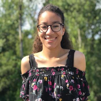 Babysitter em Vila Nova de Gaia: Deborah
