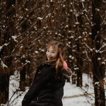 Babysitter in Bathurst: Hannah