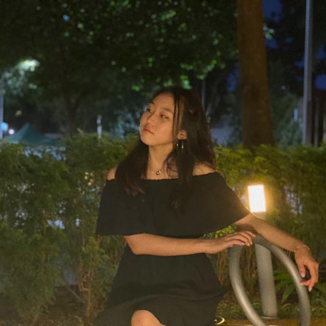 Babysitter in Singapore: Stella