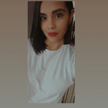 Niñera Bello: Mariana