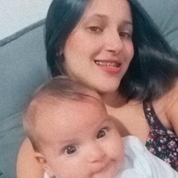 Babysitter in Brusque: Edna