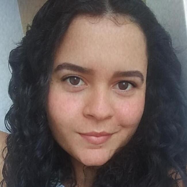 Babá em Salvador: Giovanna