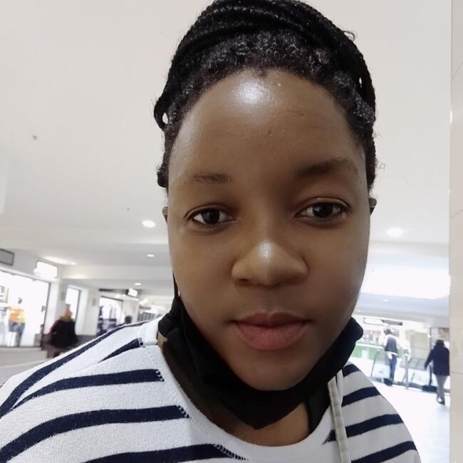 Babysitter in Cape Town: Leona