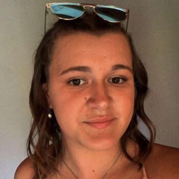Babysitter in New Plymouth: Cassie Barrett