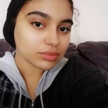 Babysitter in Birmingham: Hajar