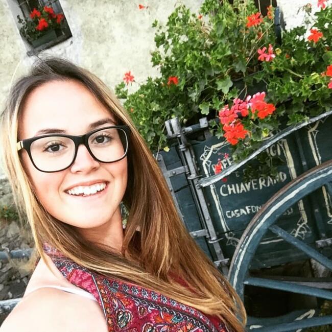 Babysitter in Martigny-Combe: Stephanie