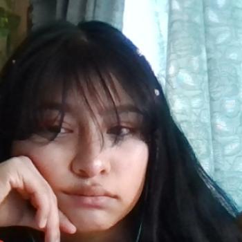 Babysitter in Madera: Crystal