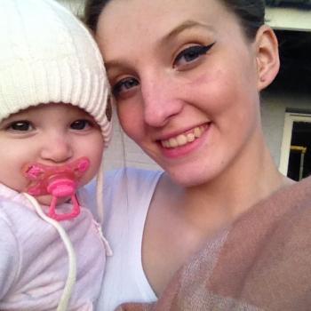 Babysitter As: Nouchka