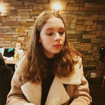 Babysitter London: Emily