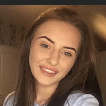 Babysitter in Bradford: Mckenzie leigh