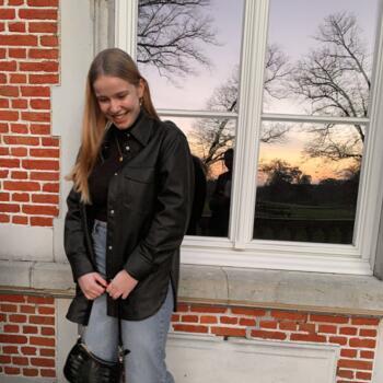 Babysitter in Brasschaat: Elena