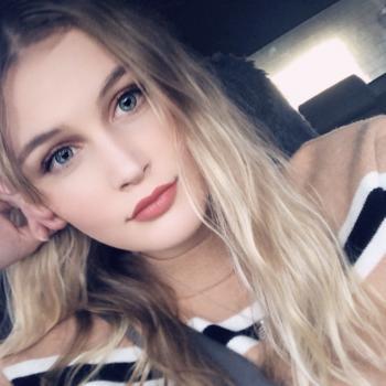 Babysitter Hastings: Savannah-Lee