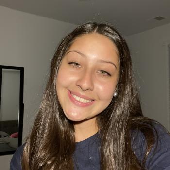 Babysitter Laurel: Ariana