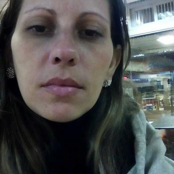Babá em Curitiba: Elizangela