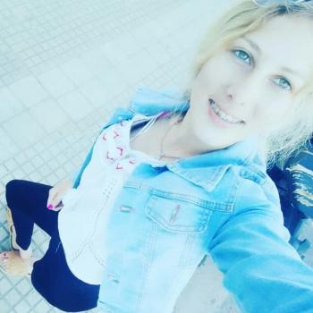 Babysitter in Solymar: Flopi Avril Fran
