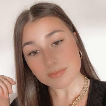 Babysitter in Mâcon: Lisa
