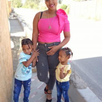Babysitter in Colina: Gina
