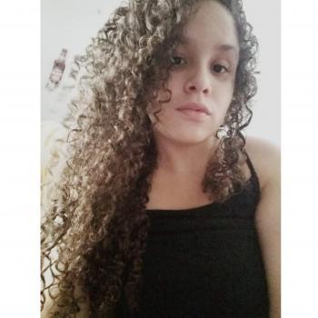 Babysitter Fortaleza: Lívia