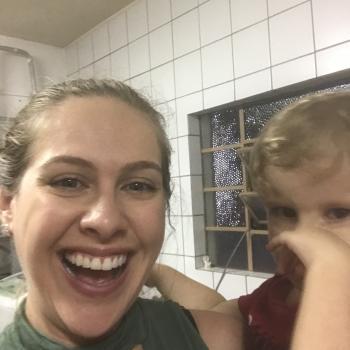 Emprego de babá Itapema: emprego de babá Raissa