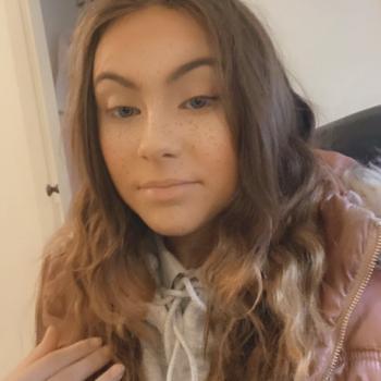 Babysitter in Sunderland: Lauren