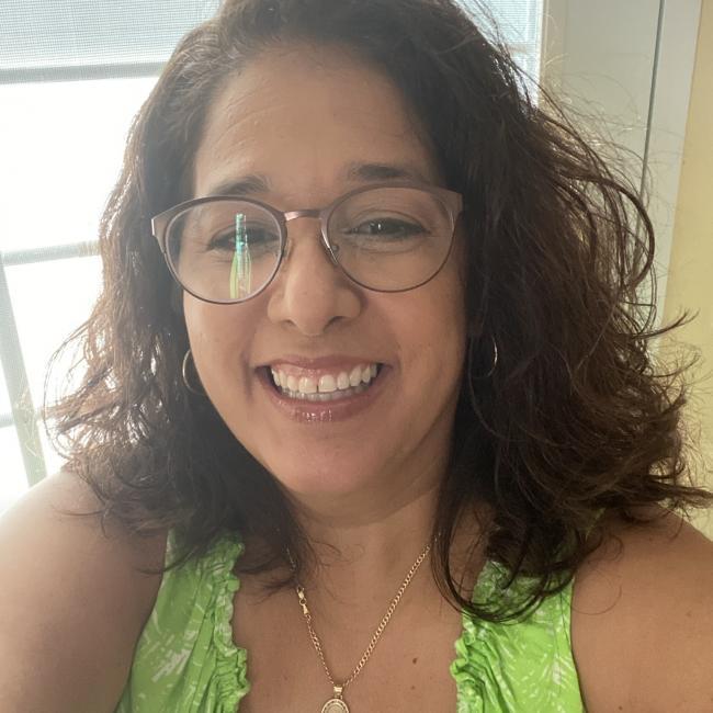Niñera en San Lorenzo: Gloria