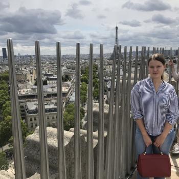 Babysitter Marseille: Yéléna