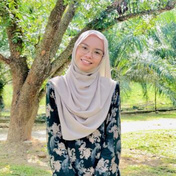 Babysitter in Kampung Tebong: Nur Aini