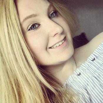 Babysitter in Luton: Chloe