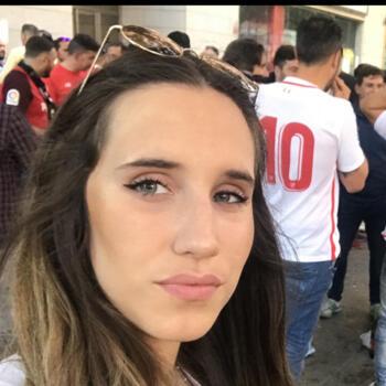 Canguro en Sevilla: Claudia