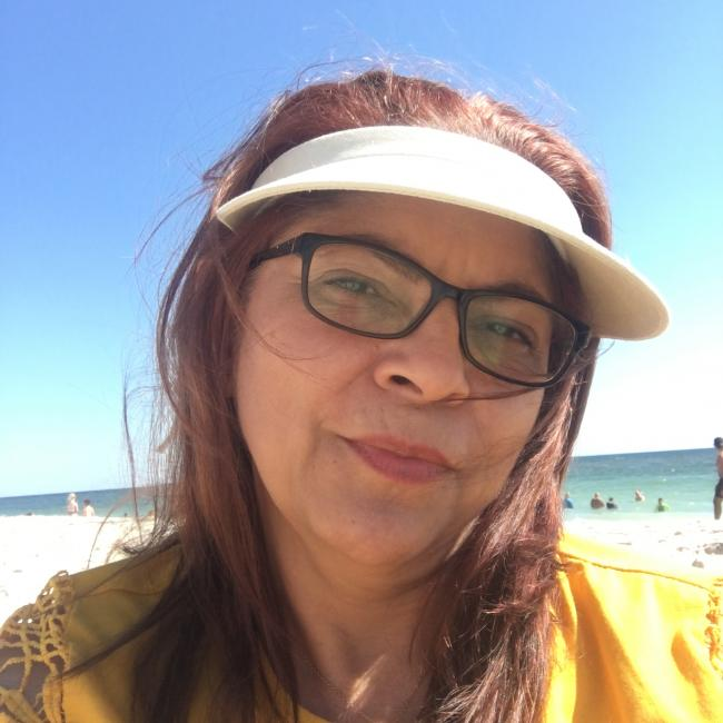 Babysitter in South El Monte: Gloria
