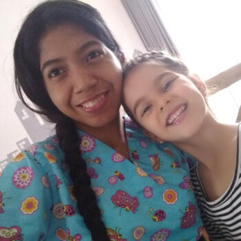 Niñera Medellín: Yirleidis