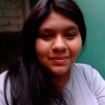 Babysitter in Lima: Lucia