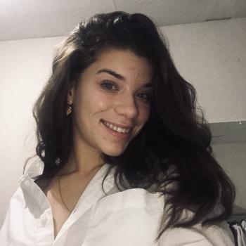 Baby-sitter Saint-Lô: Elena