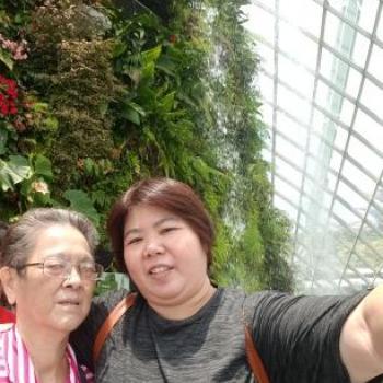 Babysitter Singapore: Stella