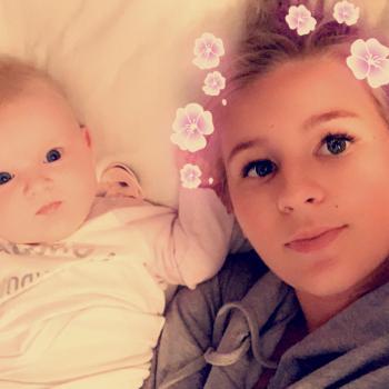 Babysitter Leopold: Emily