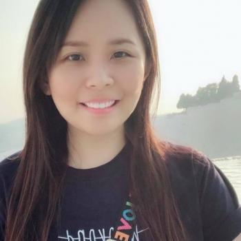 Babysitter Singapore: Winnie