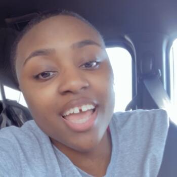 Babysitter in Adams (Tennessee): Ayonna