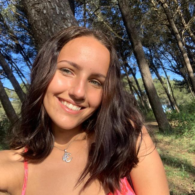 Babysitter em Cascais: Lara
