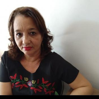 Babá Niterói: Valeria