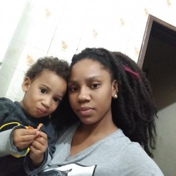 Emprego de babá em Belo Horizonte: emprego de babá Larissa