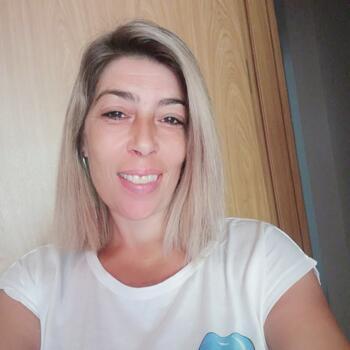 Babysitter in Almada: Tania