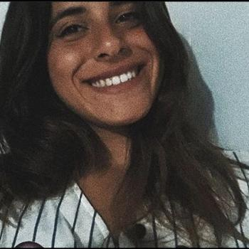 Niñera Montevideo: Avril