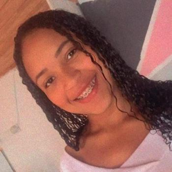 Babá em Pelotas: Làiza