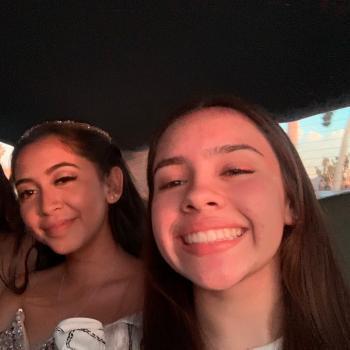 Babysitter Los Angeles: Dianna & Yeimy