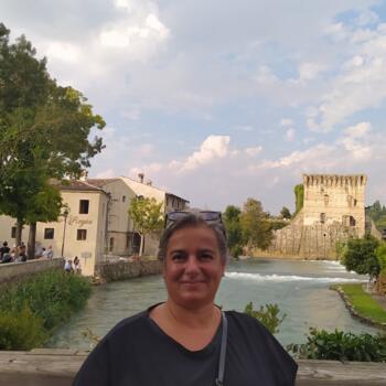 Babysitter a Modena: Valentina