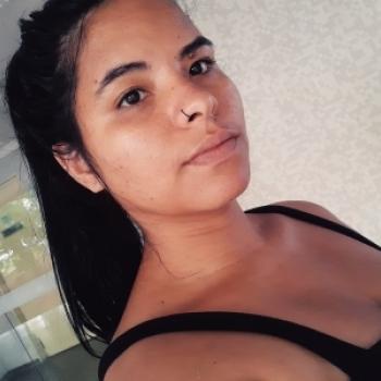 Babysitter Brasília: Vanessa