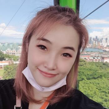 Babysitter in Singapore: Jessica