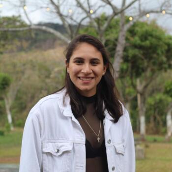 Niñera en Granadilla: María Gracia