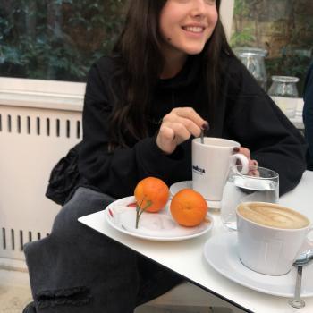Babysitter London: Antonia