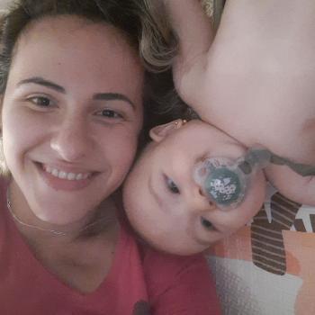 Emprego de babá Guarujá: emprego de babá Gabriela